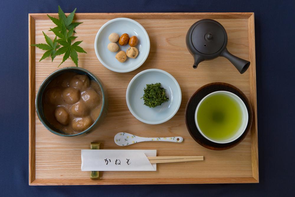 くるみ餅と 有機栽培煎茶「まろみ煎茶」