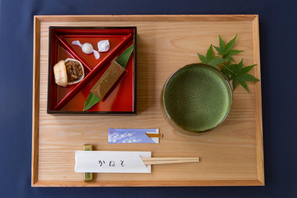 栗羊羹と有機栽培茶を石臼で 挽いた抹茶「石臼ひき抹茶」
